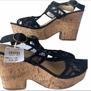 American Eagle new black lace wedge sandals sz 10